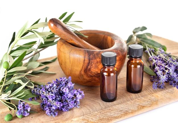 Lavanda e óleos essenciais | Foto Premium