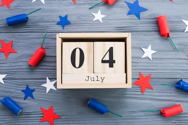 Lay plana de 4 de quadro de julho Foto gratuita