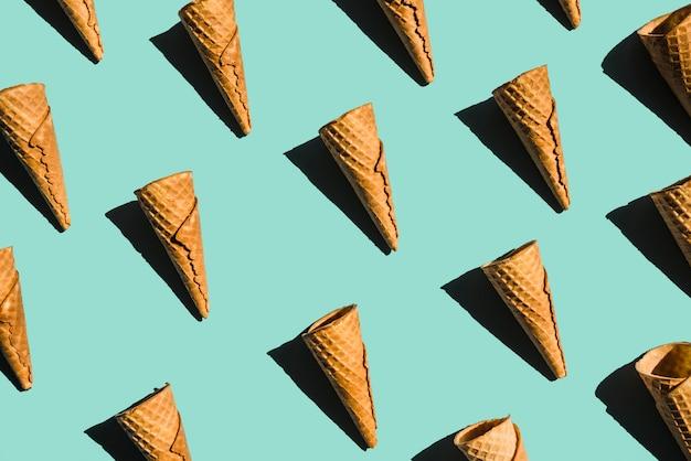 Layout de cones de waffle vazio com tons Foto gratuita