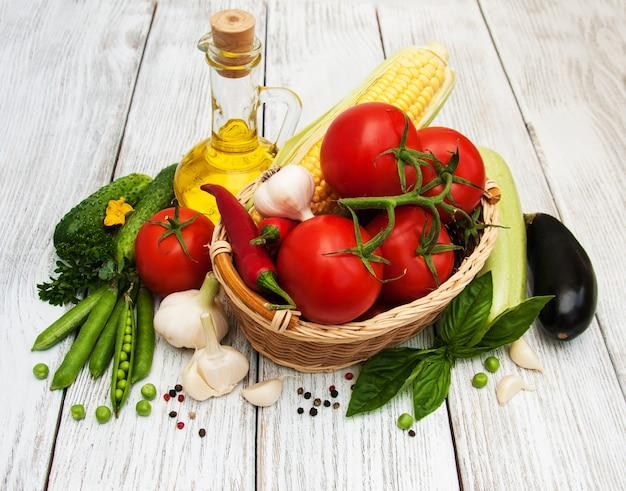 Legumes frescos de verão Foto Premium