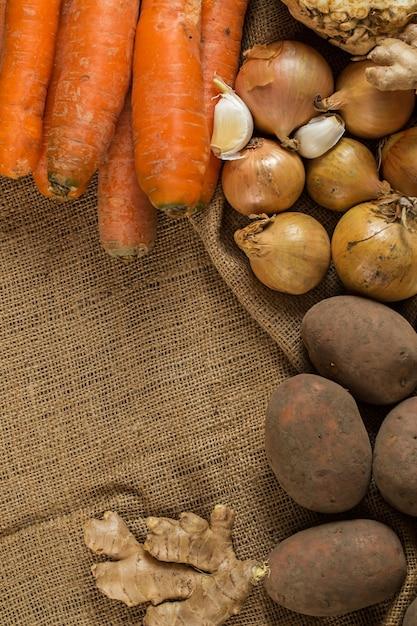 Legumes no cobertor Foto gratuita