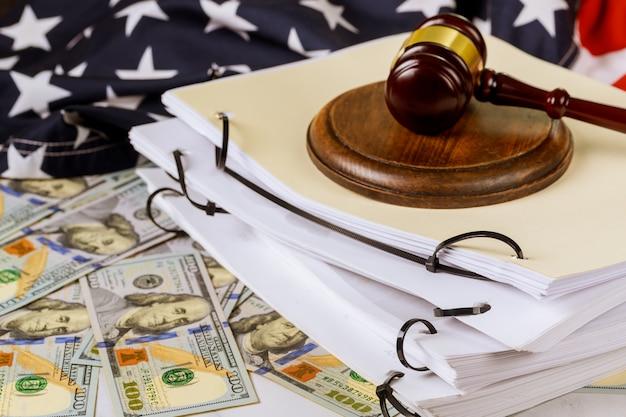 Lei e justiça advogados pasta arquivo pasta escritório de advocacia documento de trabalho Foto Premium