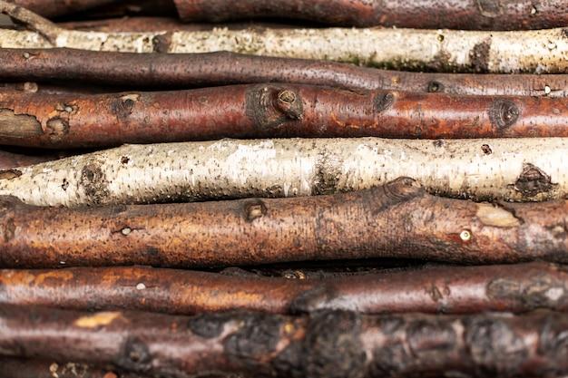 Lenha picada registra em linhas. textura de madeira Foto Premium