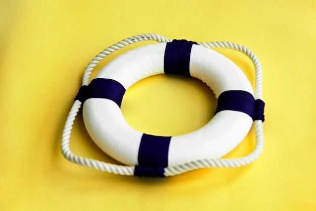 Lifebuoy belt rescue survival concept Foto gratuita
