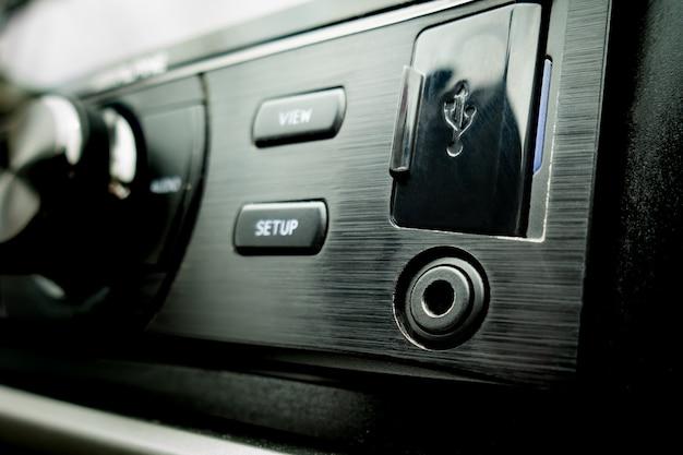 Ligação externa de áudio para automóvel usb e aux Foto Premium