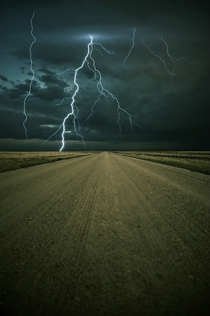 Lightning storm ahead Foto gratuita