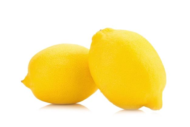 Limão isolado no fundo branco Foto Premium