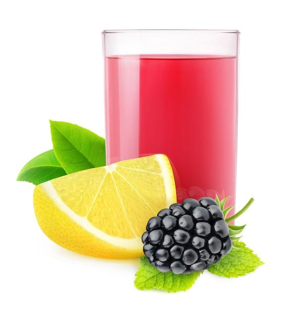 Limonada isolada de amora-preta. copo de bebida de amora e limão isolado no fundo branco Foto Premium