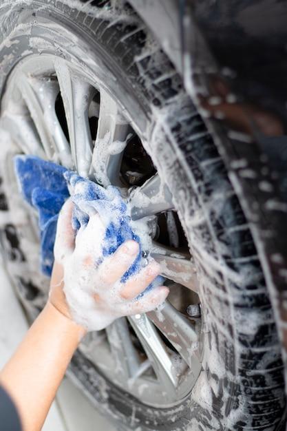 Limpeza e lavagem de carros ao ar livre Foto Premium