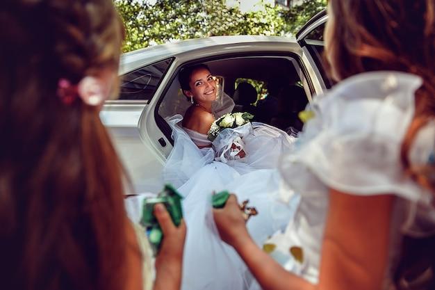 Linda noiva. foto de casamento. Foto Premium