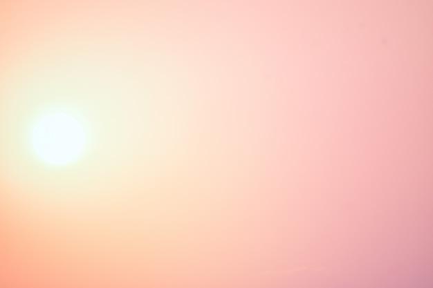 Lindo céu e fundo por do sol. Foto Premium