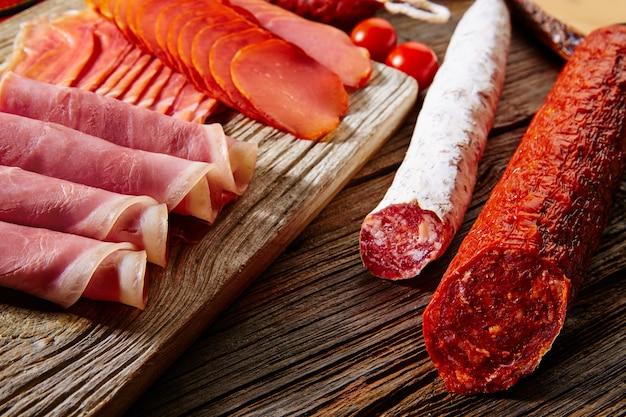 Linguiça tapas, de, espanha, jamon, lomo, queijo Foto Premium