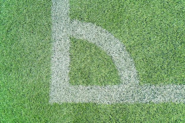 Linha branca em uma grama de campo de futebol Foto gratuita