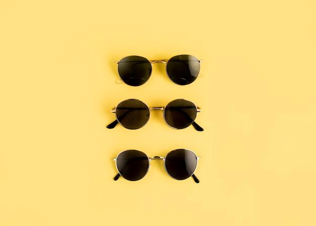 Linha de óculos de vista superior Foto gratuita