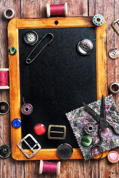 Linhas de costura e botões Foto Premium