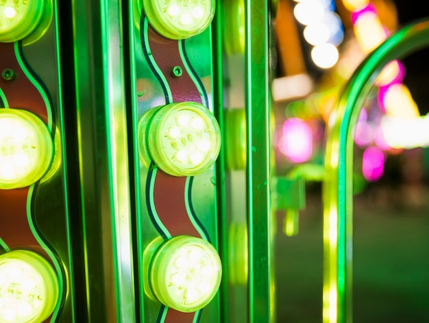 Linhas de luzes coloridas divertidas Foto gratuita