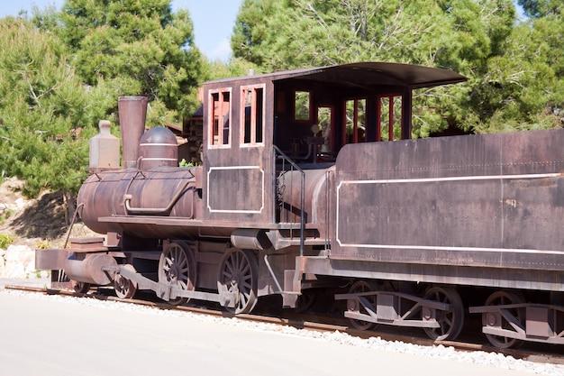 Locomotiva a vapor velha Foto gratuita