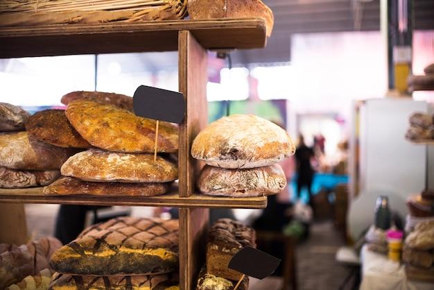 Loja vintage com bolos Foto gratuita