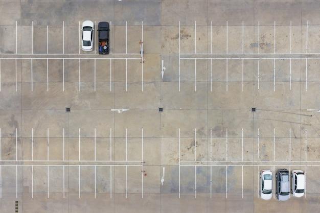 Lotes de estacionamento vazios, vista aérea. Foto Premium