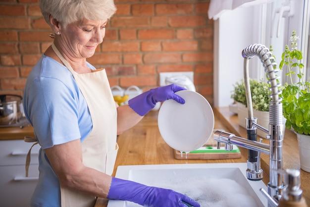Louça limpa é a base Foto gratuita