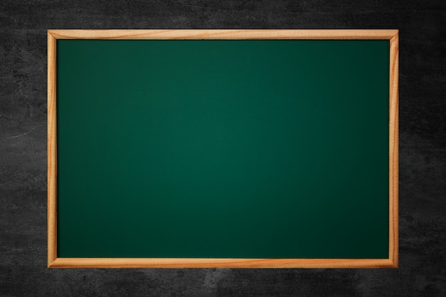 Lousa verde vazia ou conselho escolar Foto Premium