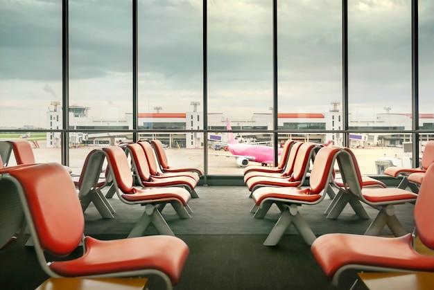 Lugares vazios no terminal Foto Premium