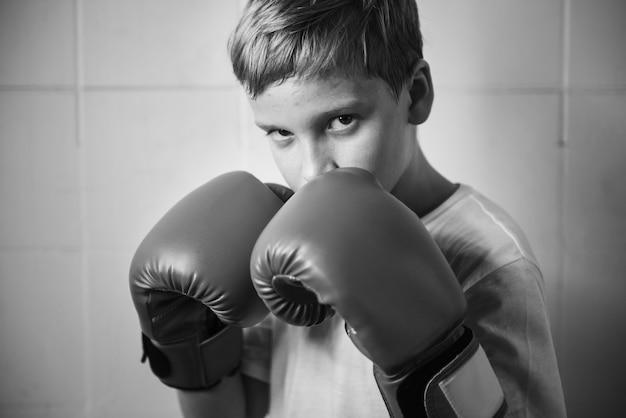 Luvas de fitness de punho ginásio saúde esporte jovem conceito Foto gratuita