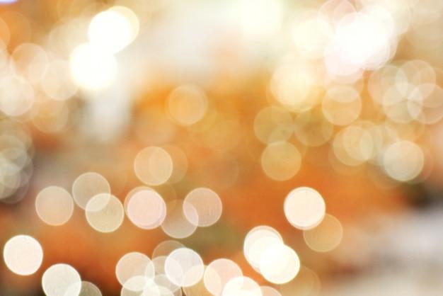 Luz colorida e fundo do bokeh. iluminação da árvore de natal, baixa chave. Foto Premium