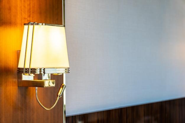 Luz da lâmpada decoração no quarto Foto gratuita