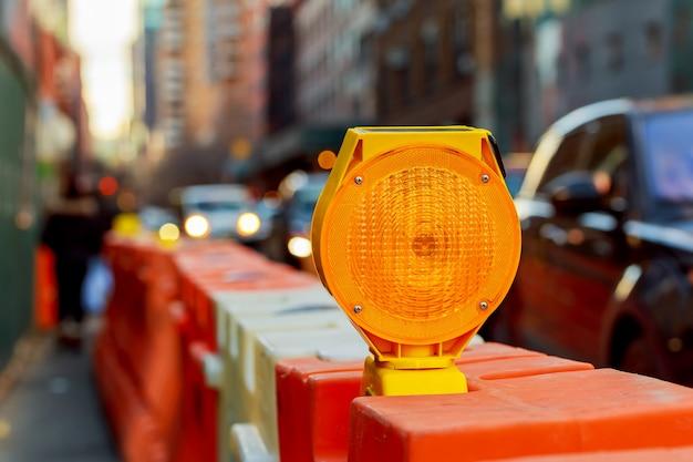 Luz de advertência amarela Foto Premium