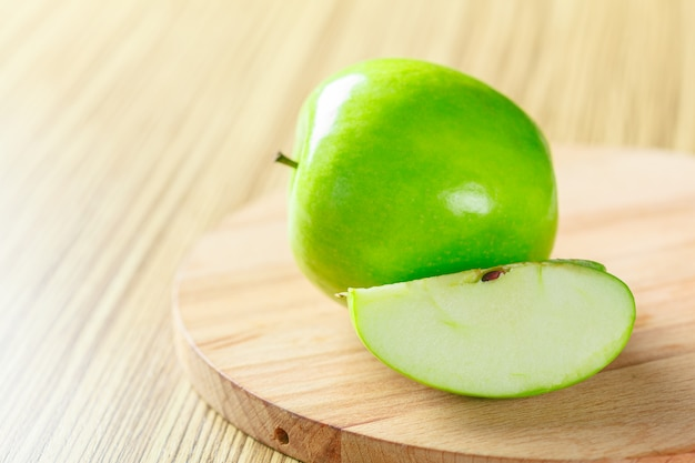 Maçã verde madura Foto Premium