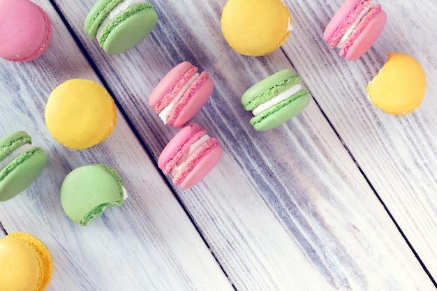 Macaroons coloridos como pano de fundo Foto Premium