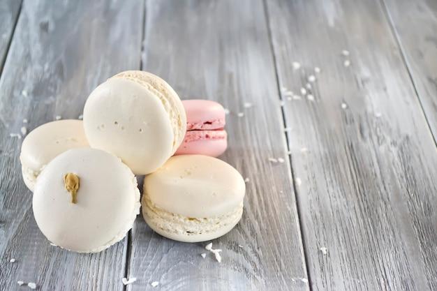 Macaroons de francês isolados Foto Premium