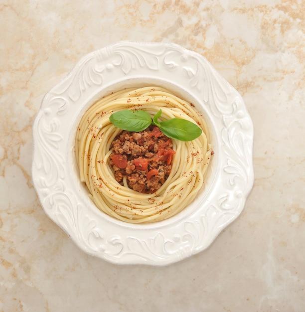 Macarrão com carne picada Foto Premium
