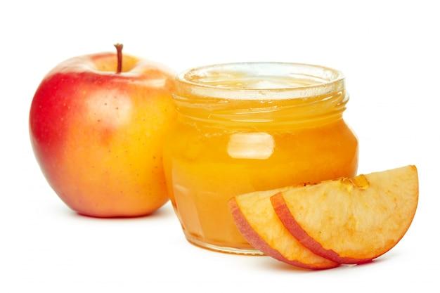 Maçãs e pote de mel para o feriado de ano novo judaico isolado Foto Premium
