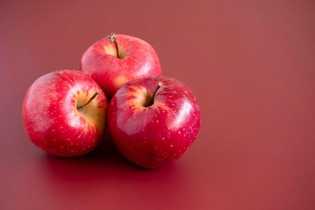 Macro de maçãs de gala vermelha Foto Premium