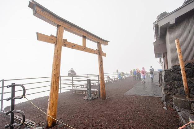 Madeira toroi templo porta japão Foto Premium
