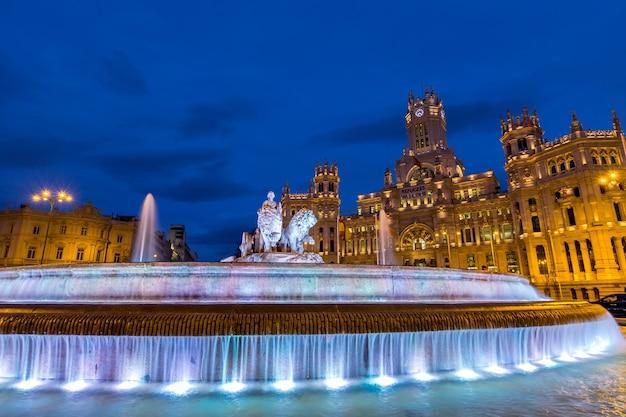 Madrid, praça, de, cibeles, em, twilifht, espanha Foto Premium