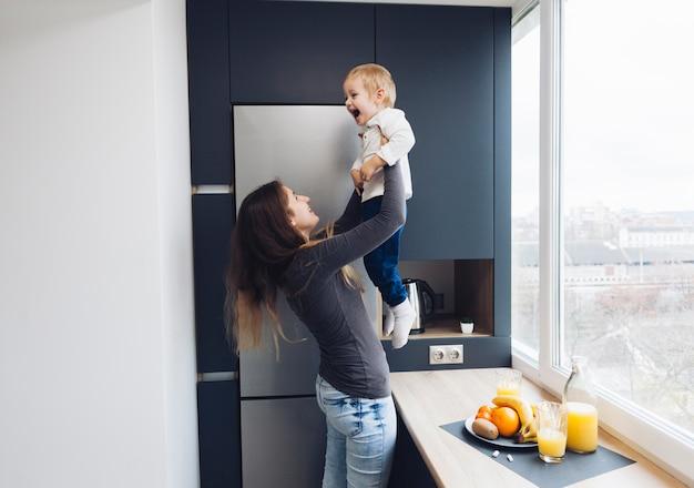 Mãe e filho Foto gratuita