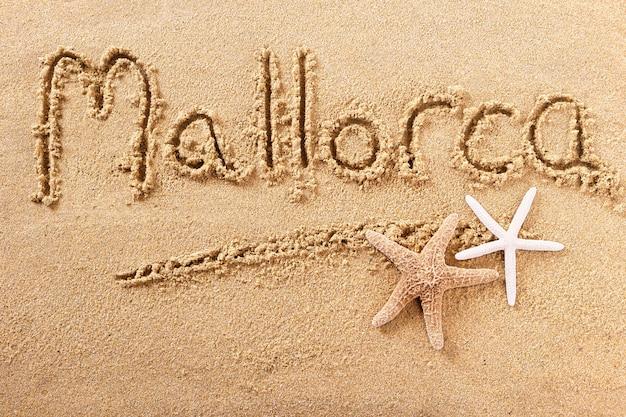 Maiorca maiorca verão praia escrevendo mensagem Foto Premium