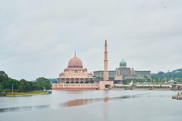 Malaysia turismo paisagem muçulmana Foto gratuita