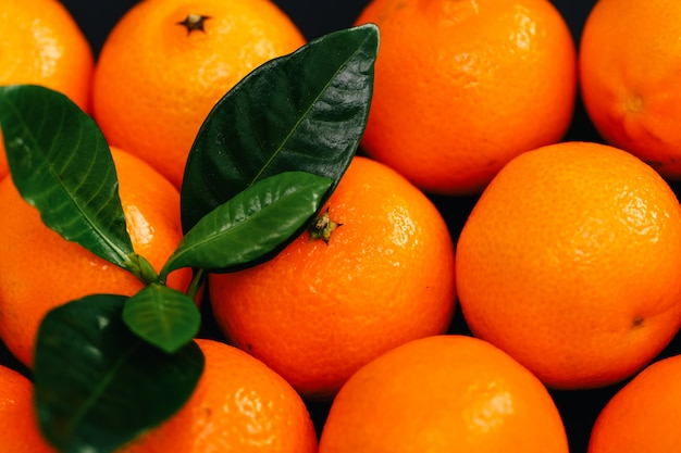 Mandarinas em cima da mesa Foto gratuita