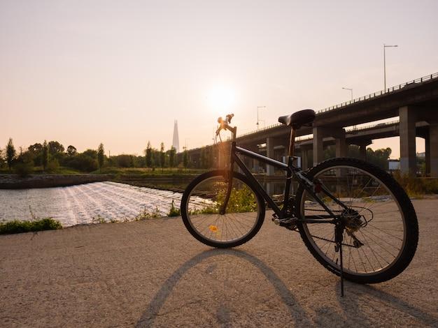 Manhã de esporte em seul, fundo do nascer do sol Foto Premium
