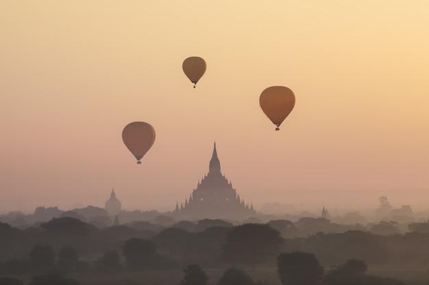Manhã, vista, em, bagan, myanmar Foto Premium