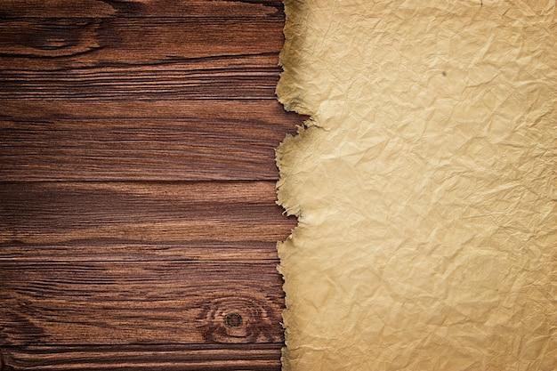 Manuscrito antigo no contexto de tábuas de madeira Foto Premium