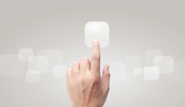 Mãos tocando interface de tela de botão conexão global rede de clientes Foto Premium