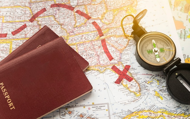 Mapa com destino marcado Foto gratuita