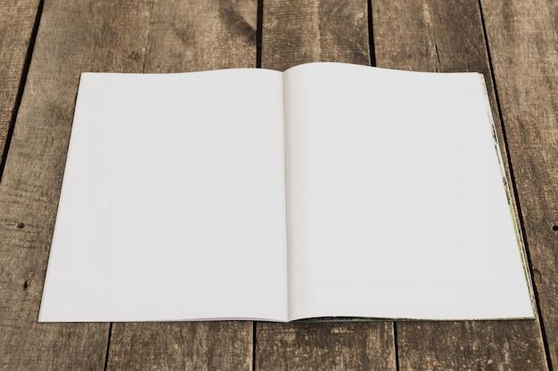 Maquete aberta de revista, livro ou catálogo Foto Premium