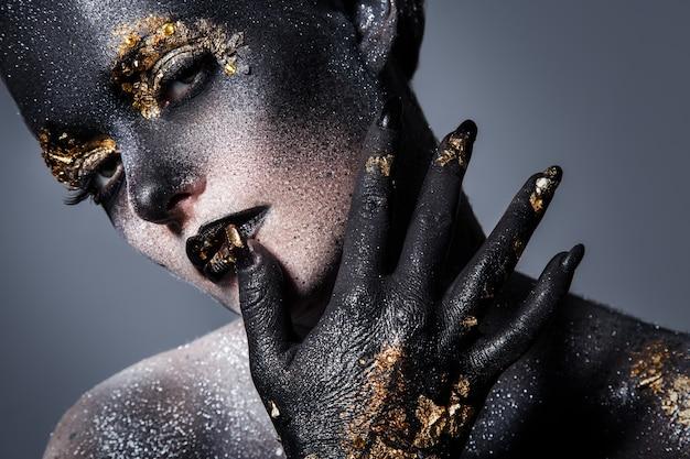 Maquiagem artística bonita Foto gratuita
