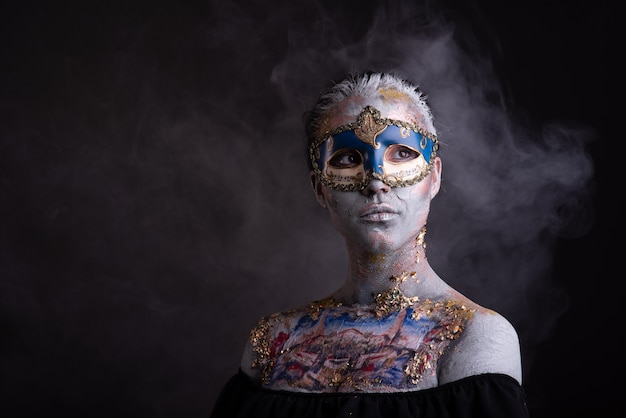 Maquiagem criativa de pódio em estilo veneziano Foto Premium